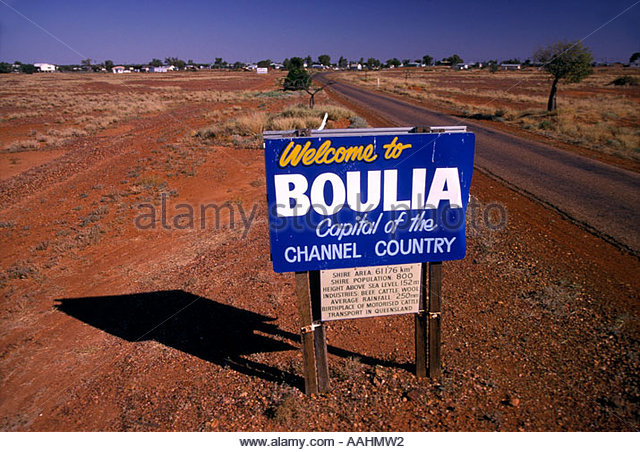 outback-town-welcome-boulia-channel-country-w-queensland-australia-aahmw2